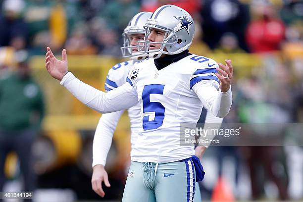 Dan Bailey of the Dallas Cowboys reacts after missing the field goal in the second quarter of the 2015 NFC Divisional Playoff game against the Green...