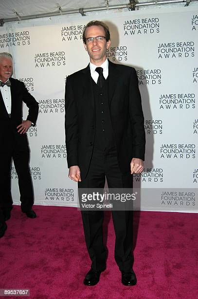 Dan Barber attends the 2009 James Beard Foundation Awards Ceremony and Gala at Avery Fisher Hall at Lincoln Center for the Performing Arts on May 4...