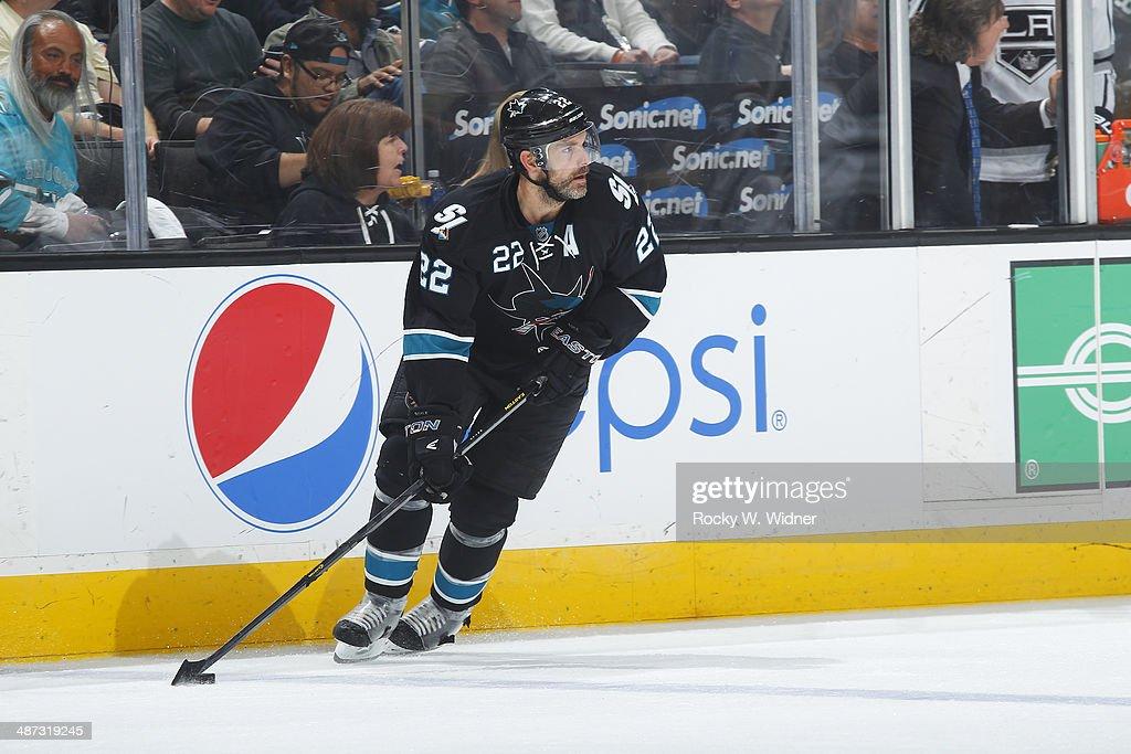 Los Angeles Kings v San Jose Sharks - Game Five : News Photo
