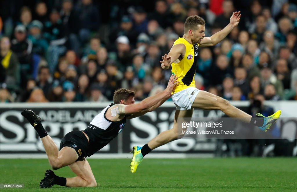 AFL Rd 15 - Port Adelaide v Richmond : News Photo