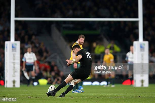 Dan Carter of New Zealand kicks a penalty during the 2015 Rugby World Cup Final match between New Zealand and Australia at Twickenham Stadium on...
