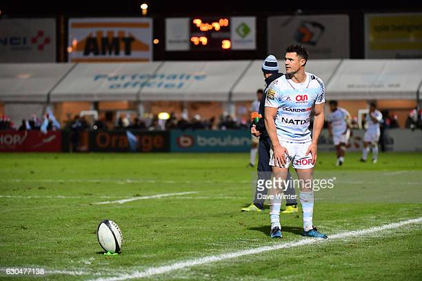 Dan Carter of Racing 92 prepares to kick a conversion during the Top 14 match between Racing 92 and CO Castres Olympique on December 23 2016 in...