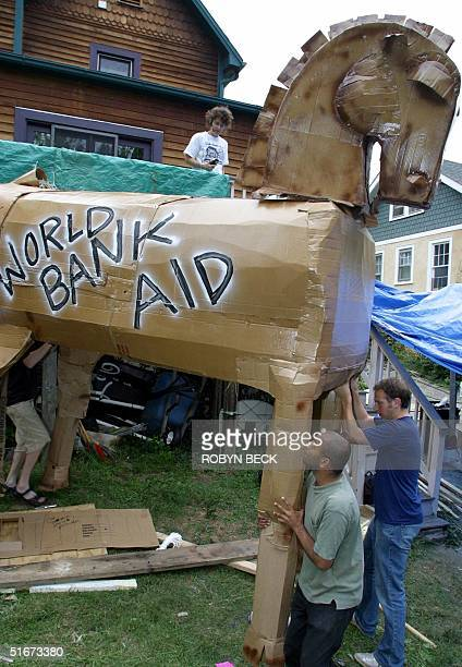 Dan Firger of San Francisco and other activists prepare 25 September 2002 a Trojan Horse for the antiWorld Bank demonstrations planned for later this...