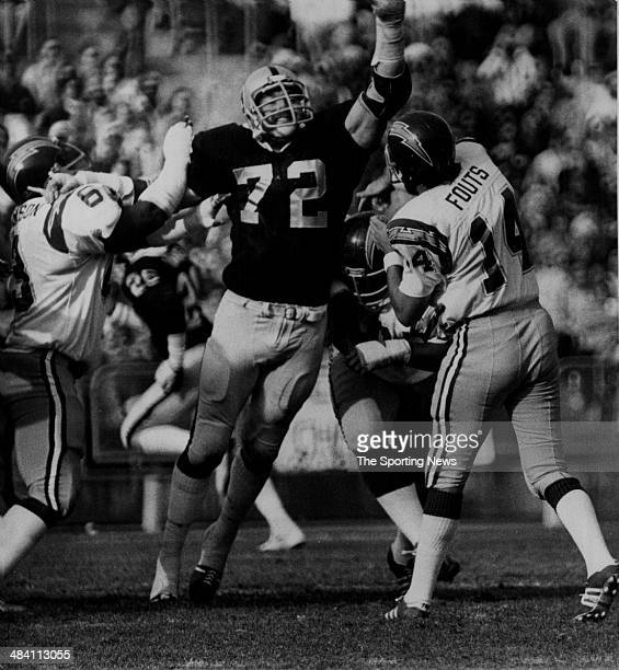 San Diego Chargers Dan Fouts: John Matuszak Stock Photos And Pictures