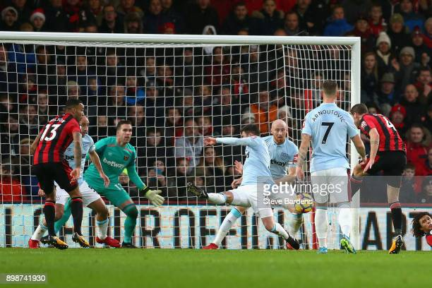 Dan Gosling of AFC Bournemouth scores his sides first goal during the Premier League match between AFC Bournemouth and West Ham United at Vitality...