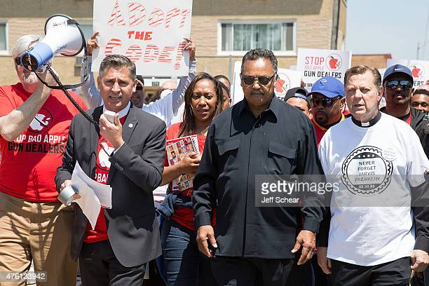 Dan Gross President of the Brady Campaign to Prevent Gun Violence Jesse Jackson Sr and Father Michael Pfleger attend the Stop Bad Apple Gun Dealers...