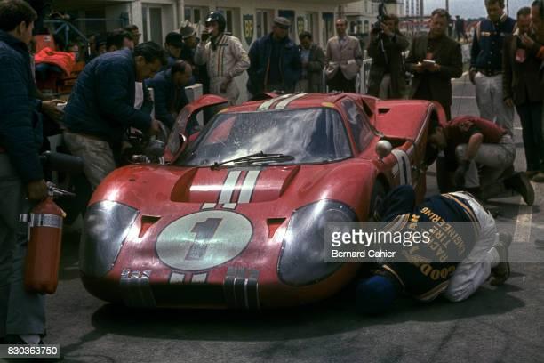 Dan Gurney, A J Foyt, Ford Mk IV, 24 Hours of Le Mans, Le Mans, 11 June 1967.