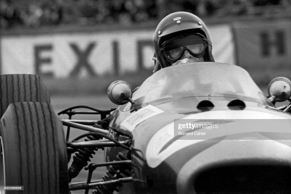 Dan Gurney, Brabham BT11, Grand Prix of Great Britain, Silverstone, 10 July 1965.