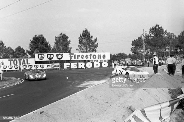 Dan Gurney Chuck Parsons Ford Mk IV Ferrari 365P2 24 Hours of Le Mans Le Mans 11 June 1967