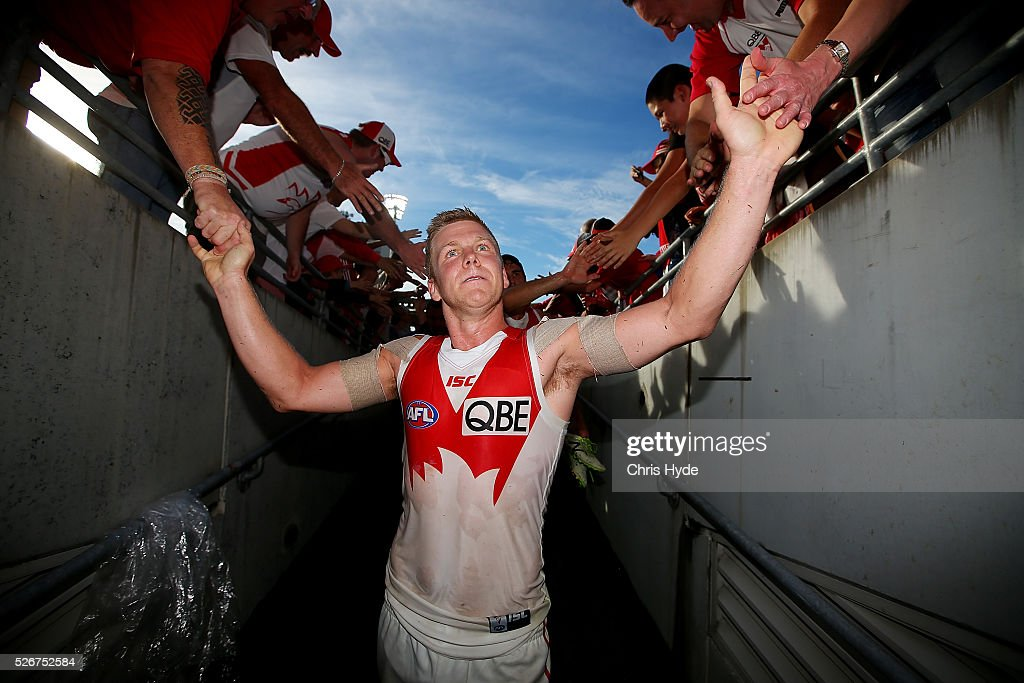 Dan Hanneberry of the Swans celebrates after winning the round six AFL match between the Brisbane Lions and the Sydney Swans at The Gabba on May 1, 2016 in Brisbane, Australia.
