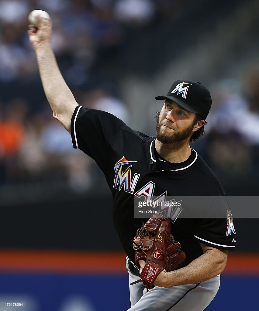 Dan Haren #15 of the Miami Marlins delivers a pitch against the New York Mets during the second inning on May 29, 2015 at Citi Field in the Flushing neighborhood of the Queens borough of New York City.