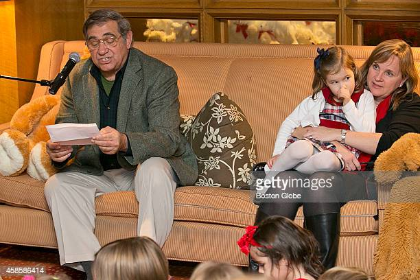 Dan Lauria read Twas the Night Before Christmas At right Sheila Flaherty and daughter Gracie Stafford of the Back Bay listened Dan Lauria currently...