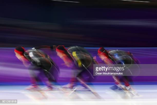 Dan Li Mei Han and Jiachen Hao of China compete during the Ladies' Team Pursuit Speed Skating Quarterfinals on day 10 of the PyeongChang 2018 Winter...