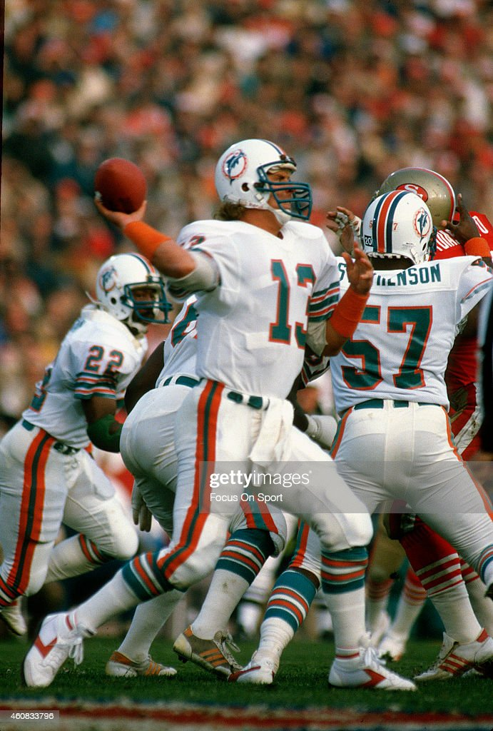 Super Bowl XIX - Miami Dolphins v San Francico 49ers : News Photo
