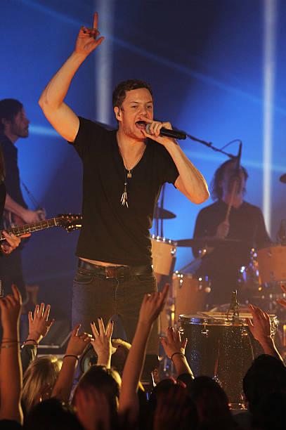 NLD: MTV EMA's 2013 - Imagine Dragons Performance