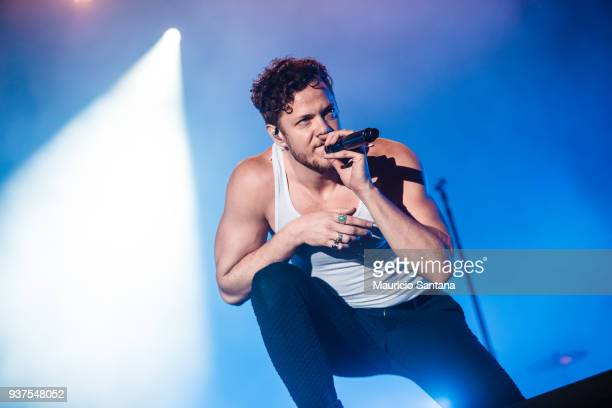 Dan Reynolds singer member of the band Imagine Dragons performs live on stage during the second day of Lollapalooza Brazil Festival at Interlagos...
