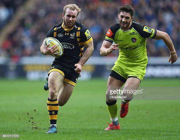 Dan Robson of Wasps in action during the Aviva Premiership match between Wasps and Leicester Tigers at The Ricoh Arena on January 8 2017 in Coventry...