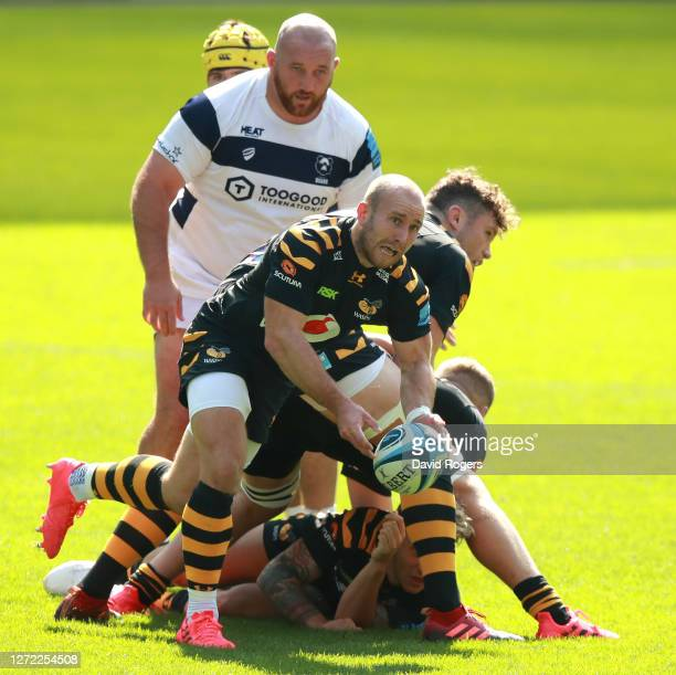 Dan Robson of Wasps passes the ball during the Gallagher Premiership Rugby match between Wasps and Bristol Bears at the Ricoh Arena on September 13...
