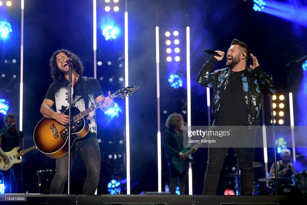 2019 CMA Music Festival - Day 2 : News Photo