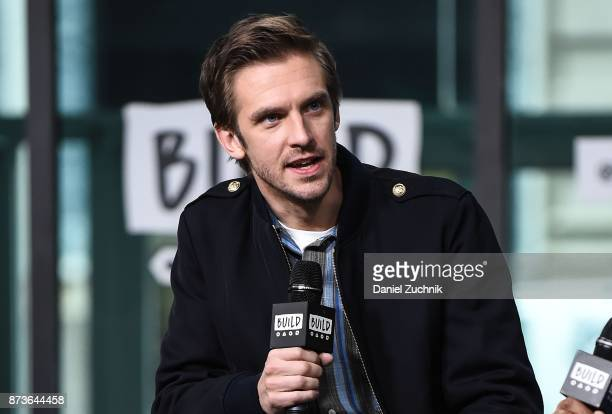 Dan Stevens attends the Build Series to discuss the new holiday film 'The Man Who Invented Christmas' at Build Studio on November 13 2017 in New York...