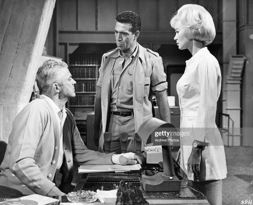 Kieron Moore And Dana Andrews In 'Crack In The World' : News Photo