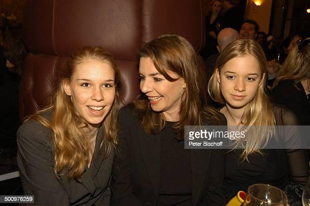 "Dana vavrova , Tochter Janina Vilsmaier , Tochter Therese Vilsmaier , Aftershow-Party nach Verleihung, ""Bayerischer Filmpreis"", München, . P.-Nr...."