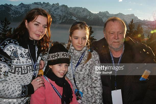 Dana VavrovaTochter Josefina Vilsmaier Tochter Theresa Vilsmaier Regisseur Joseph Vilsmaier Uraufführung vom Kinofilm Bergkristall Premiere...