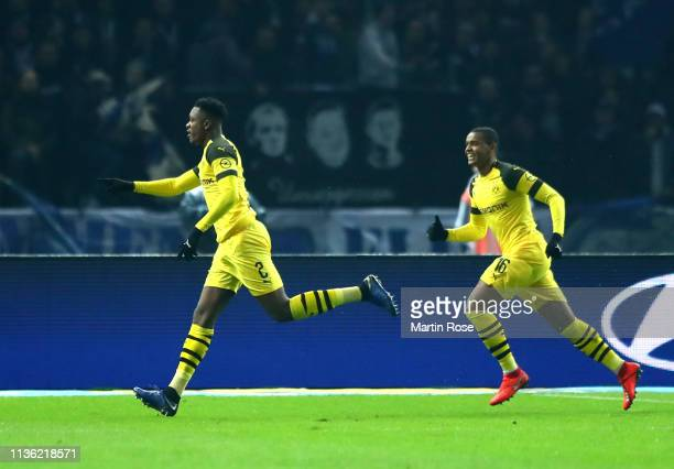 DanAxel Zagadou of Borussia Dortmund celebrates after scoring his team's second goal during the Bundesliga match between Hertha BSC and Borussia...