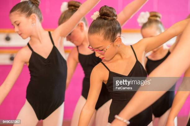 dance class - performing arts center stock pictures, royalty-free photos & images