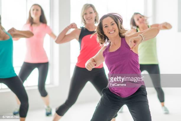 ダンスフィットネスクラス