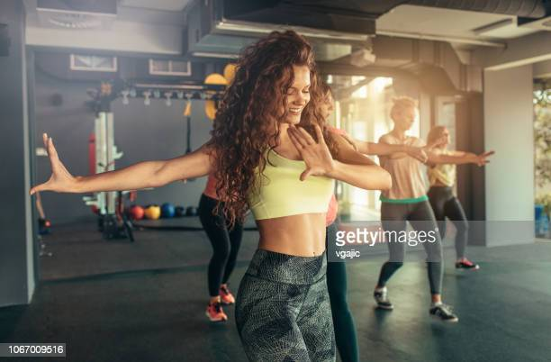 dance fitness - gym stock pictures, royalty-free photos & images