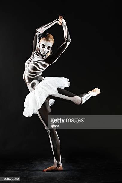 danza de los muertos - esqueleto humano fotografías e imágenes de stock