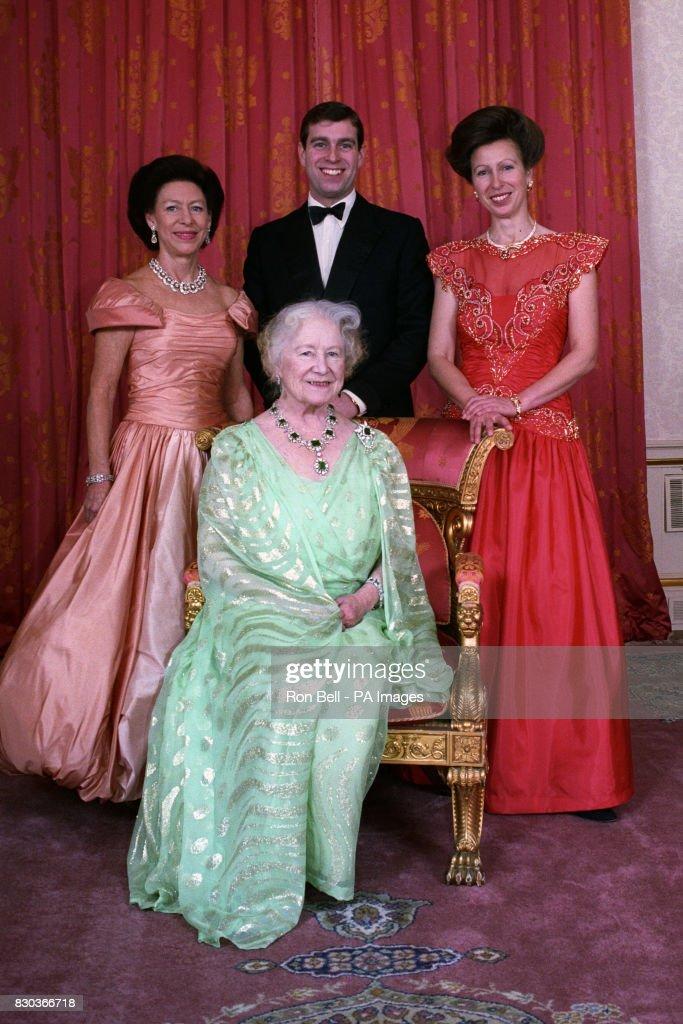 Buckingham Palace group photo : News Photo