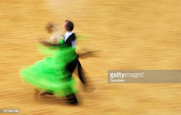 dance - gewalt stockfoto's en -beelden