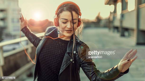 dance - listening stock pictures, royalty-free photos & images