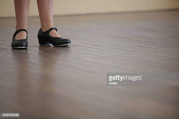 tapdancing classes at 'ecole Jean Jaures' a school in Anglet with dance teacher Powell Harrison Tapdancing course with special shoes equipped with...