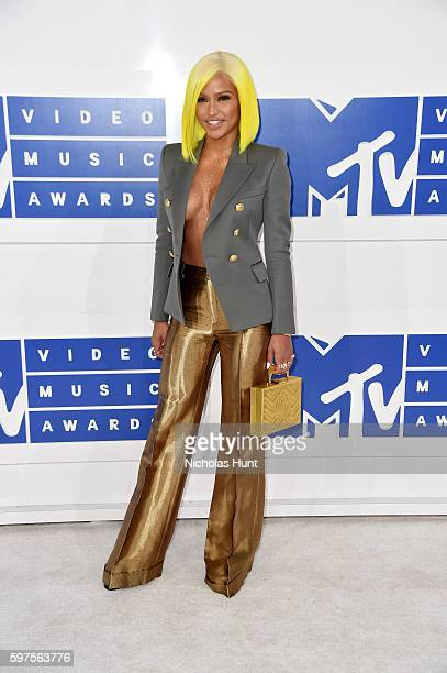 Dancer Cassie attends the 2016 MTV Video Music Awards at Madison Square Garden on August 28 2016 in New York City