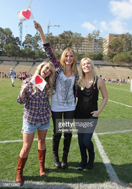 Dancer Chelsea Hightower model Heidi Klum and singer Natasha Bedingfield attend the Celebrity Capture The Flag Game Benefiting 'The Heart Truth'...