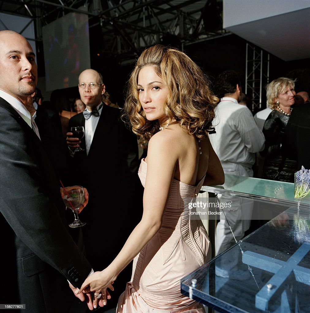 Dancer Cris Judd and singer/actress Jennifer Lopez are photographed for Vanity Fair Magazine on March 24, 2002 at the Vanity Fair Oscar Party at Morton's in West Hollywood, California. PUBLISHED