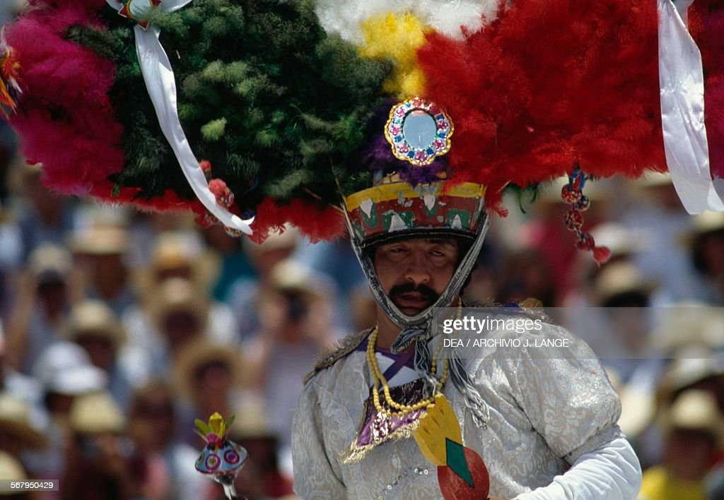 Dancer, Feather dance during festival, Oaxaca : News Photo