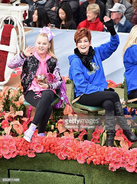 Dancer Jojo Siwa and actress Carolyn Hennesy participate in the 128th Tournament of Roses Parade Presented by Honda on January 2 2017 in Pasadena...