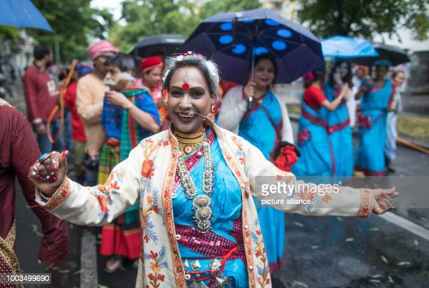 A dancer of the formation 'Bengalischer Kulturverein' participates in the 22nd Carnival of Cultures in Berlin Germany 4 June 2017 According to the...