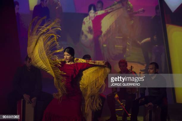 A dancer performs during the presentation of the 2018 Vuelta cycling tour of Spain in Estepona on January 13 2018 / AFP PHOTO / JORGE GUERRERO