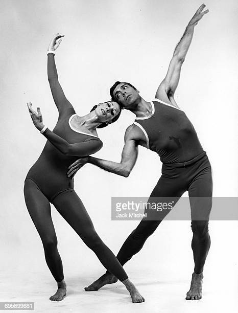 Dancer/choreographer Paul Taylor and dancer Bettie de Jong performing Public Domain in 1968
