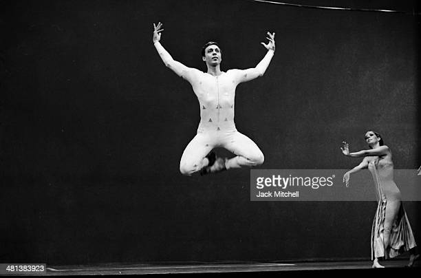 Dancer/choreographer Paul Taylor and his dance company performing 'Orbs' in 1966