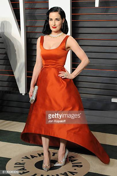 Dancer/model Dita Von Teese attends the 2016 Vanity Fair Oscar Party hosted By Graydon Carter at Wallis Annenberg Center for the Performing Arts on...