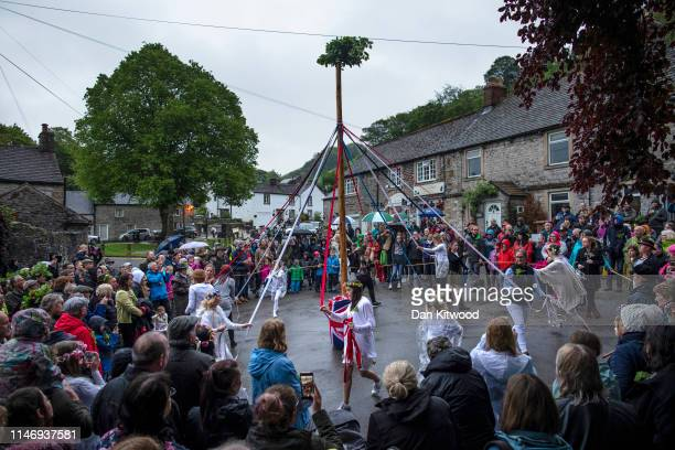 Dancers around the Maypole during 'Castleton Garland Day' on May 29 2019 in Castleton England The first records of Garland day date back to the...