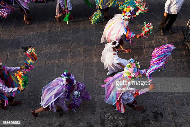 dancers at a traditional mexican festival - parade stock pictures, royalty-free photos & images