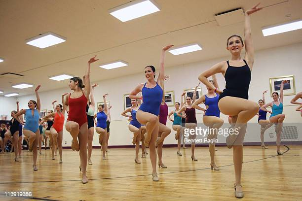 Radio City Christmas Spectacular 2021 Auditions 212 Radio City Christmas Spectacular Auditions Photos And Premium High Res Pictures Getty Images