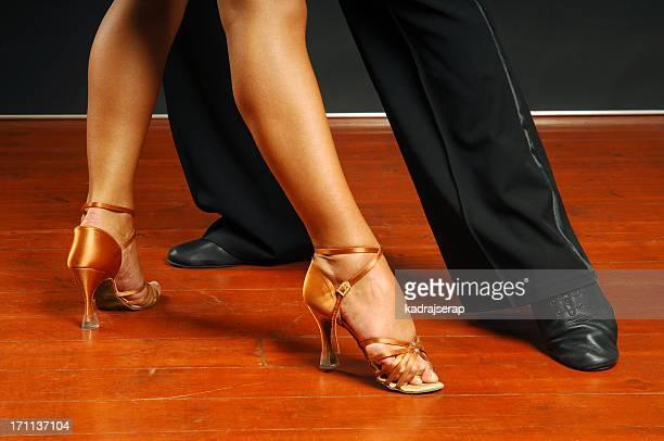tänzer füße - tango tanz stock-fotos und bilder